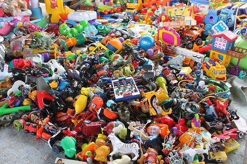 big_pile_of_vintage_toys.png